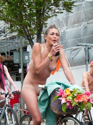 Kitty-girl, naked cyclists cheerful..