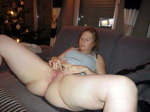 Plump college girl riding friend's..