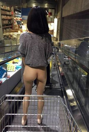 no panties under short skirt in the Mall