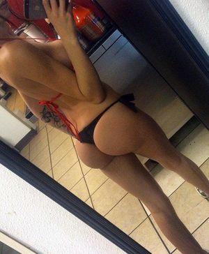 Teens fitness body ideal ass selfie