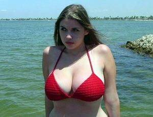 Amateur photos from beach, naked big..