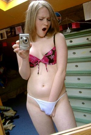 Teen girls topless selfies, private..